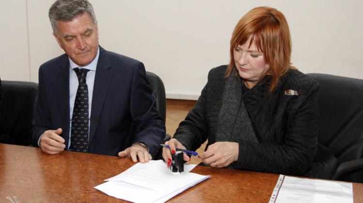 potpisivanje-ugovora-vrtic-smilje-i-kamencici-220316-2